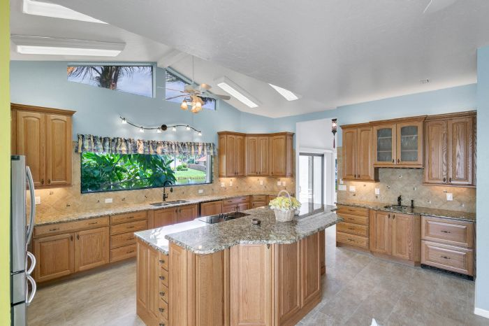 835-loggerhead-island-way--satellite-beach--fl-32937---24---kitchen.jpg