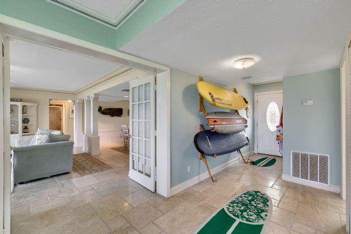 101-28th-street--unit--101-cocoa-beach--fl-32931---11---family-room.jpg