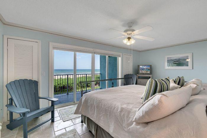 101-28th-street--unit--101-cocoa-beach--fl-32931---17---master-bedroom.jpg