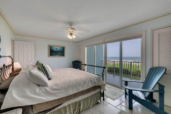 101-28th-street--unit--101-cocoa-beach--fl-32931---19---master-bedroom.jpg