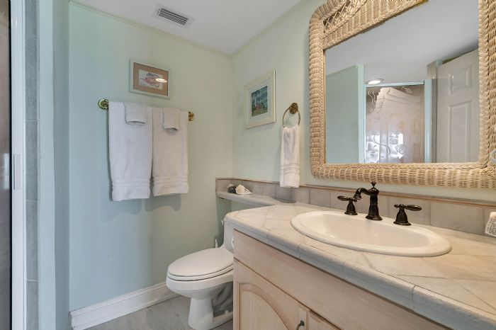 101-28th-street--unit--101-cocoa-beach--fl-32931---21---master-bathroom.jpg