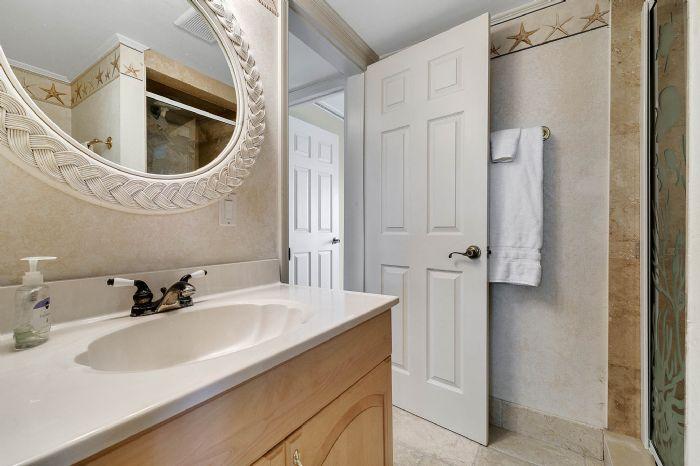 101-28th-street--unit--101-cocoa-beach--fl-32931---27---bathroom.jpg