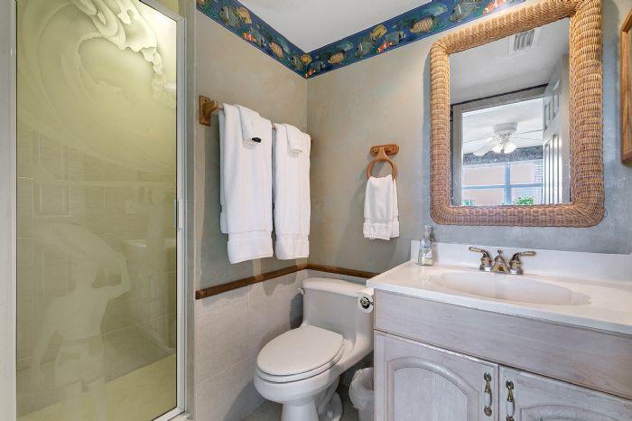101-28th-street--unit--101-cocoa-beach--fl-32931---30---bathroom.jpg