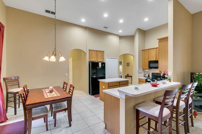 240-sutherland-ct--apopka--fl-32712----10---kitchen.jpg