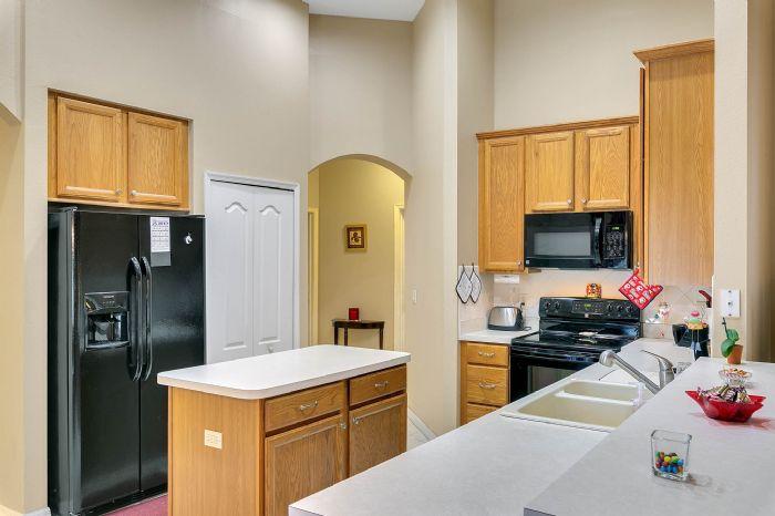 240-sutherland-ct--apopka--fl-32712----11---kitchen.jpg