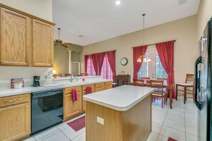 240-sutherland-ct--apopka--fl-32712----13---kitchen.jpg