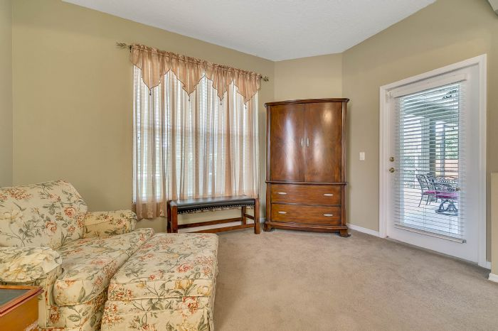 240-sutherland-ct--apopka--fl-32712----15---master-bedroom.jpg