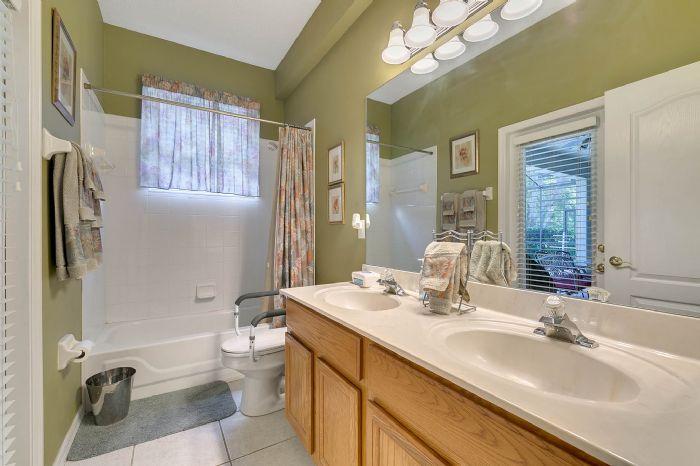 240-sutherland-ct--apopka--fl-32712----20---bathroom.jpg