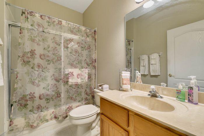 240-sutherland-ct--apopka--fl-32712----21---bathroom.jpg