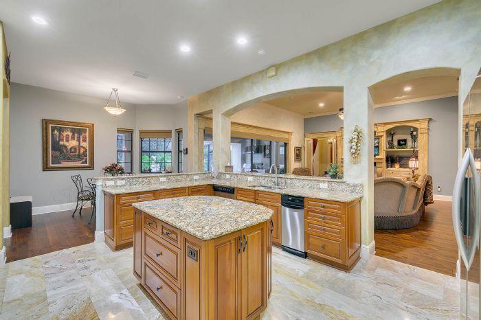9624-san-fernando-ct--howey-in-the-hills--fl-34737---22---kitchen.jpg