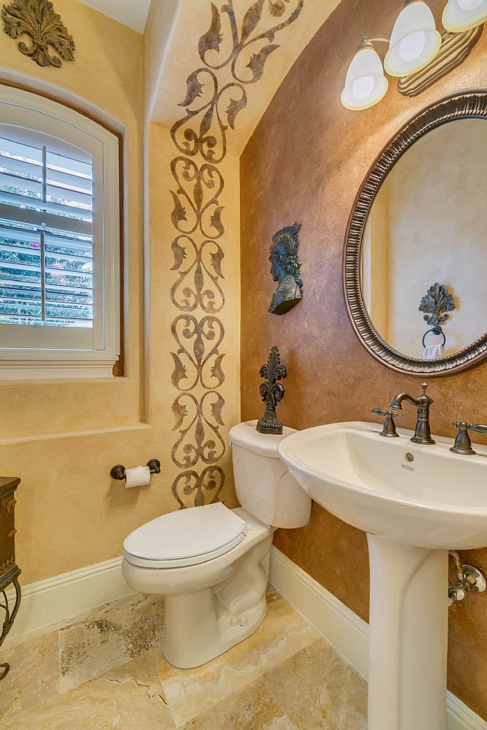 9624-san-fernando-ct--howey-in-the-hills--fl-34737---35---bathroom.jpg