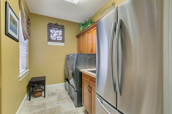 9624-san-fernando-ct--howey-in-the-hills--fl-34737---38---laundry-room.jpg