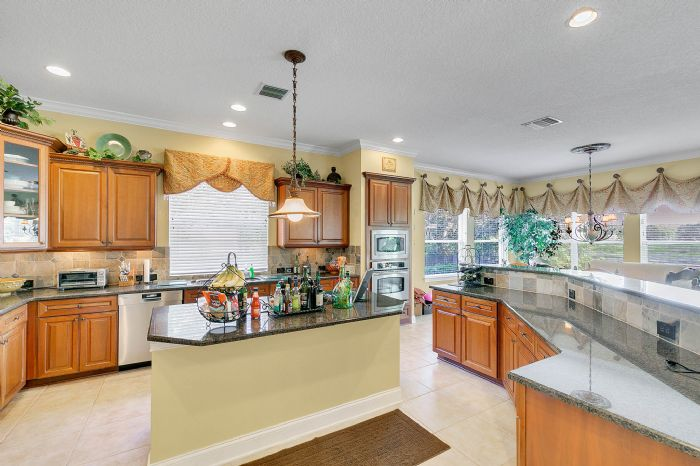 25539-hawks-run-ln--sorrento--fl-32776---11---kitchen.jpg