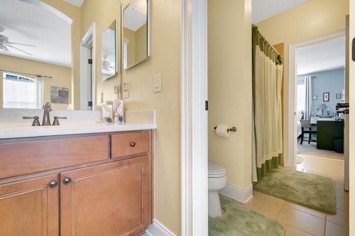 25539-hawks-run-ln--sorrento--fl-32776---27---bathroom.jpg
