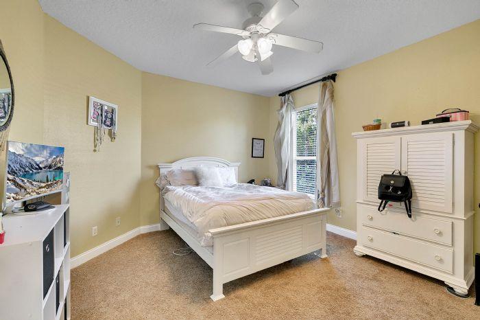25539-hawks-run-ln--sorrento--fl-32776---30---bedroom.jpg
