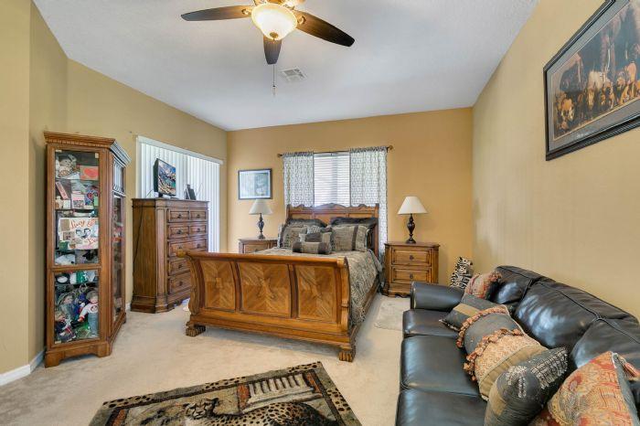 3689-rolling-hills-ln--apopka--fl-32712----13---master-bedroom.jpg