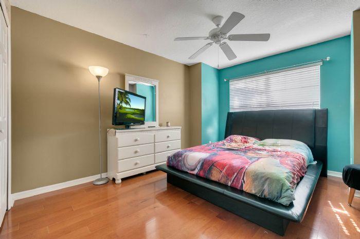 3689-rolling-hills-ln--apopka--fl-32712----20---bedroom.jpg