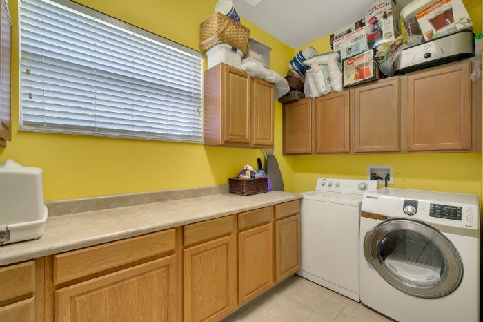 3689-rolling-hills-ln--apopka--fl-32712----23---laundry-room.jpg