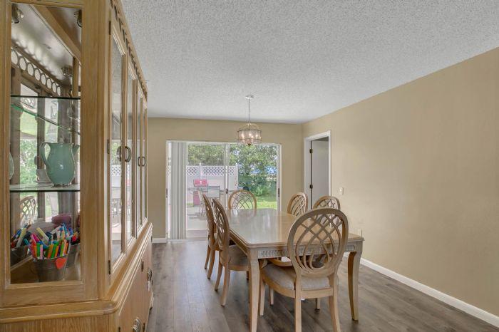 3307-45th-st.-w--bradenton-fl-34209---05---dining-room-1.jpg
