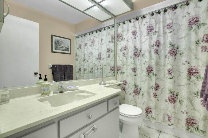 3307-45th-st.-w--bradenton-fl-34209---21---main-bath.jpg