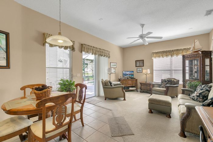 3850-old-dunn-rd--apopka--fl-32712----10---family-room.jpg