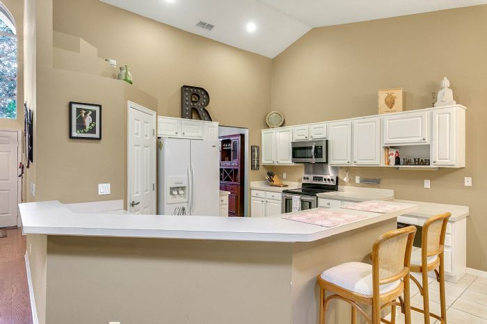 1416-hidden-meadow-way--apopka--fl-32712---06---kitchen.jpg