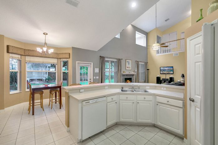 1416-hidden-meadow-way--apopka--fl-32712---08---kitchen.jpg