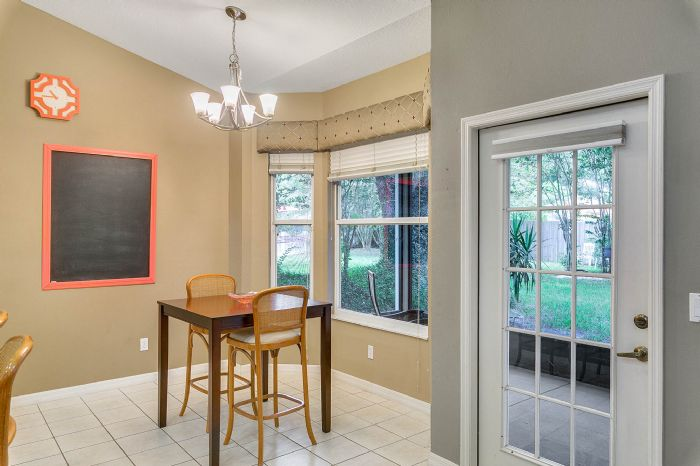 1416-hidden-meadow-way--apopka--fl-32712---09---breakfast-nook.jpg