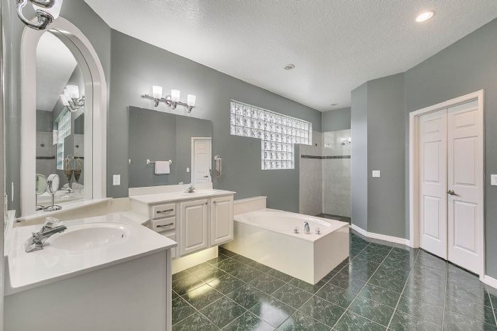 1416-hidden-meadow-way--apopka--fl-32712---15---master-bathroom.jpg
