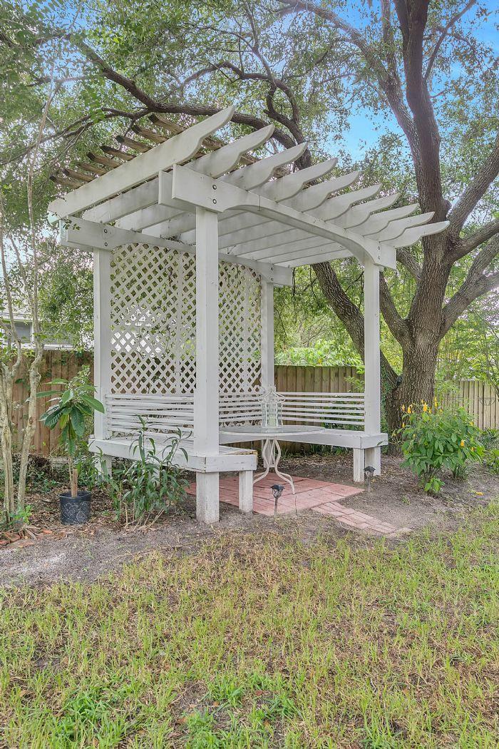 1416-hidden-meadow-way--apopka--fl-32712---25---backyard.jpg