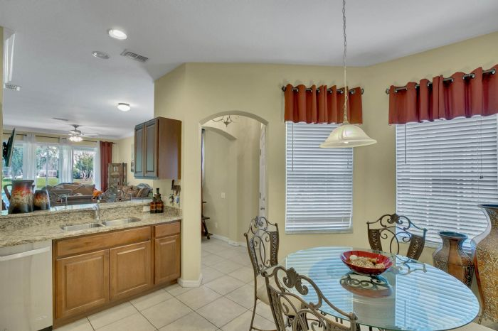 4117-bismarck-palm-dr.--tampa-fl-33610---05---kitchen-2.jpg