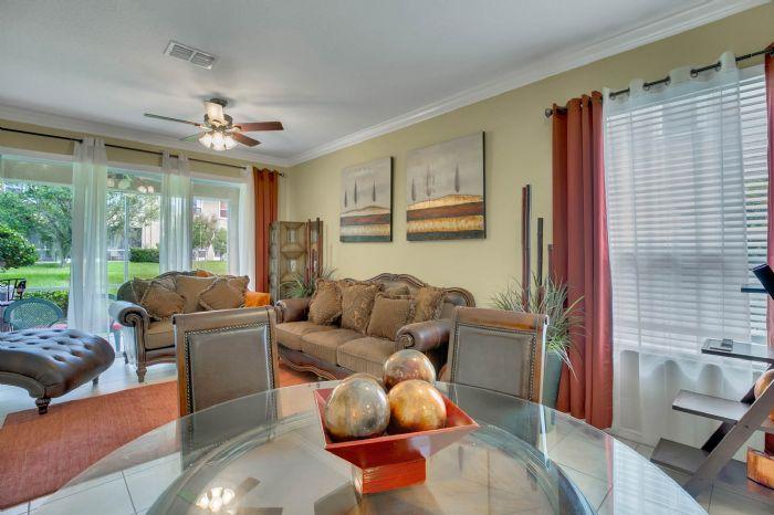 4117-bismarck-palm-dr.--tampa-fl-33610---11---living-room-2.jpg