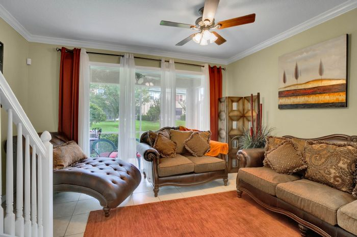 4117-bismarck-palm-dr.--tampa-fl-33610---12---living-room-3.jpg
