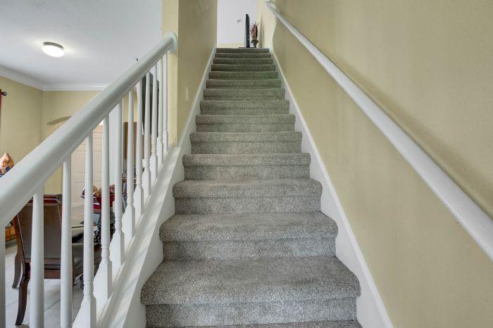 4117-bismarck-palm-dr.--tampa-fl-33610---13---stairs.jpg