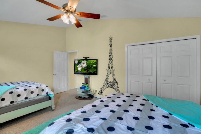4117-bismarck-palm-dr.--tampa-fl-33610---16---bedroom-1---3.jpg