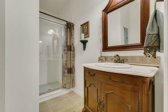 1128-legg-dr--apopka--fl-32712----18---bathroom.jpg