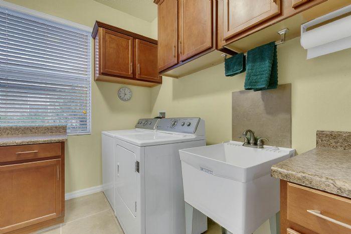 1128-legg-dr--apopka--fl-32712----23---laundry-room.jpg