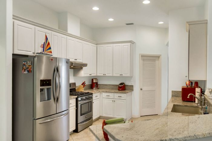 6005-armada-st--tavares--fl-32778----07---kitchen.jpg