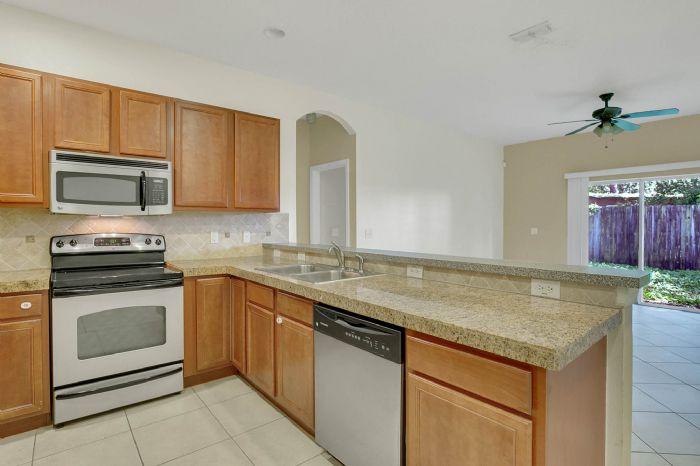 7207-n-glen-ave.--tampa-fl-33614---05---kitchen-1.jpg