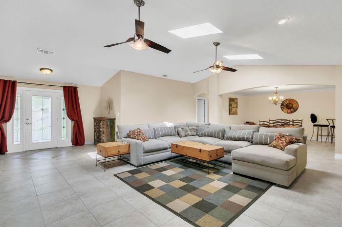 105-polo-ln--sanford--fl-32771----09---family-room.jpg