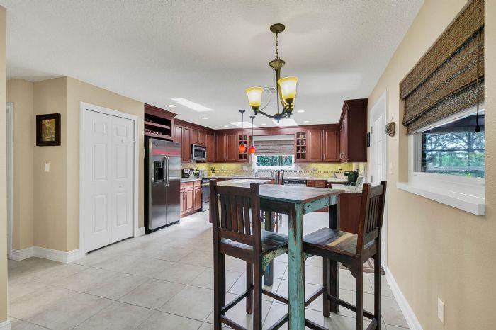 105-polo-ln--sanford--fl-32771----12---kitchen.jpg