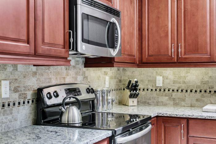 105-polo-ln--sanford--fl-32771----16---kitchen.jpg