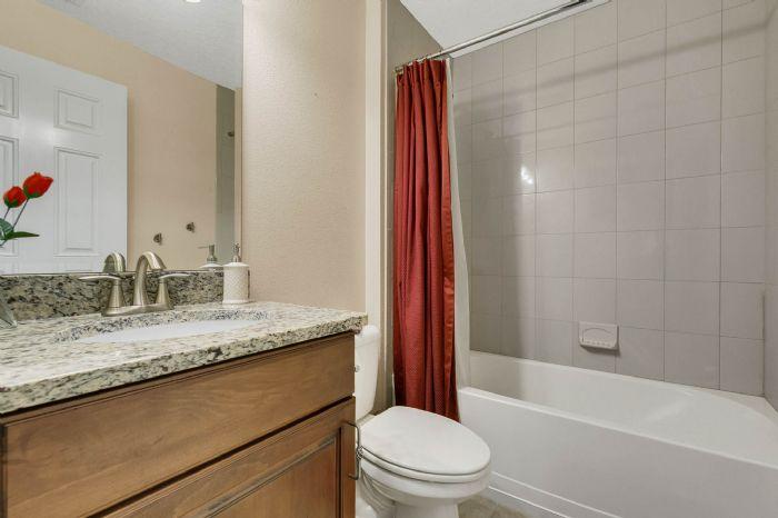 105-polo-ln--sanford--fl-32771----24---bathroom.jpg