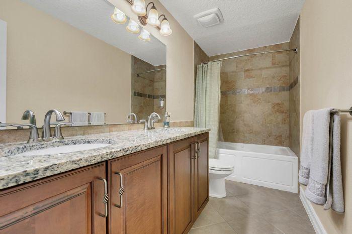 105-polo-ln--sanford--fl-32771----25---bathroom.jpg