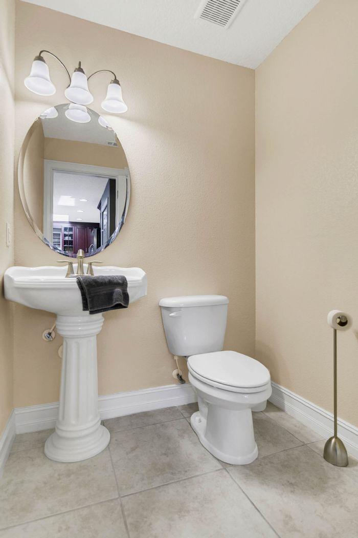 105-polo-ln--sanford--fl-32771----27---bathroom.jpg
