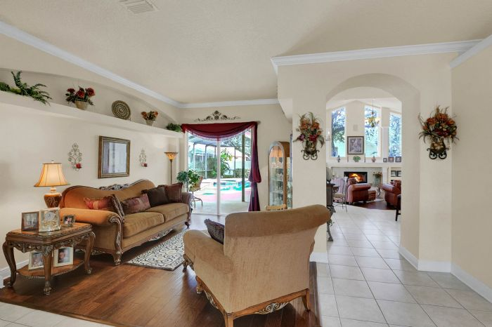 3408-sylvan-shadow-st.--valrico-fl-33596--02--living-room-1.jpg