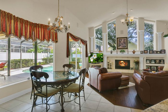 3408-sylvan-shadow-st.--valrico-fl-33596--08--family-room-1.jpg