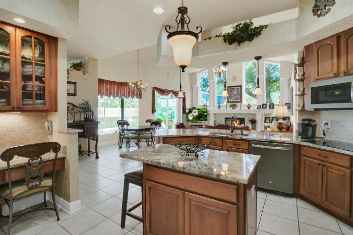 3408-sylvan-shadow-st.--valrico-fl-33596--12--kitchen-2--2-.jpg