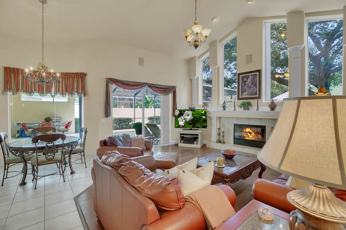3408-sylvan-shadow-st.--valrico-fl-33596--19--family-room-3.jpg