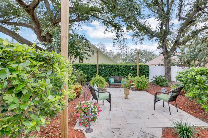 3408-sylvan-shadow-st.--valrico-fl-33596--31--back-patio-2.jpg